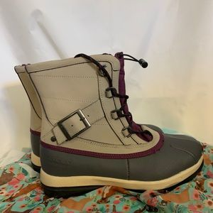 Bearpaw Nelly  faux leather & rubber duck boots